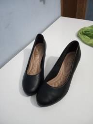 Sapato com saltinho