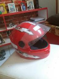 Vendo capacete infantil semi novo