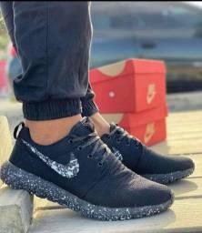 Tênis Nike Roshe - Dia-a-dia Leve e confortável (Caminhada e Corrida)