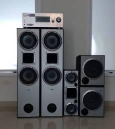 Conjunto de caixas de som