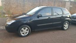 Focus 1.6 Hatch 2005 completo