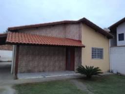 Casa com 2 quartos para alugar R$ 1.000,00/mês - Santa Barbara - Guaratinguetá/SP