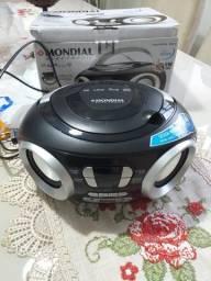 Rádio Portátil Mondial Boom Box NBX-13 Entrada USB Auxiliar Rádio FM ? 6W