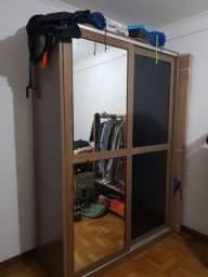 Roupeiro em MDF com 2 portas de correr e espelho