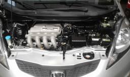 Honda Fit DX 1.4 Flex camb aut Prata 2013
