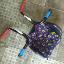 Cadeirinha pra criança  pra levar na  bicicleta