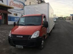Caminhão Iveco 5516