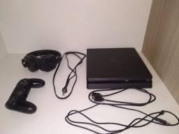 Playstation 4 slim, 1 controle, todos os cabo, 1 fone gamer , usado 1950,00