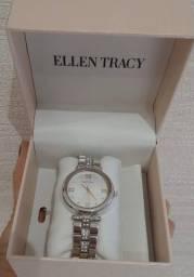 Relógio Feminino importado novo R$399,00 divido ate 10 x no cartão C. Frio