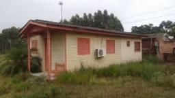 Velleda oferece galpão + casa em local comercial, frente a RS-040