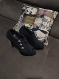 Sapato preto de salto 38
