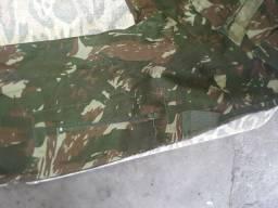 Gangola e calça comprida exército