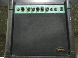 *Amplificador de guitarra Stagg ga15 em estado de novo