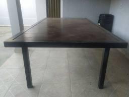 Mesa com estrutura de metalon e   MDF