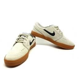 Nike SB Zoom Janoski Couro