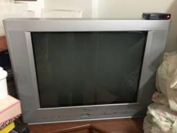 Vende TV de tubo com DVD e conversor digital - Cyber
