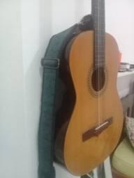 Vendo este lindo violão Giannini clássico