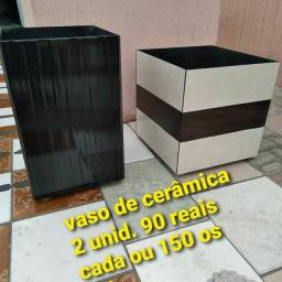 2 vasos de cerâmica 90 reais cada ou os dois 150 aceito Pix