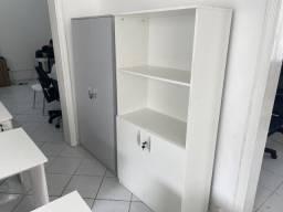 Armario de madeira mdp para escritório com chave semi aberto e fechado