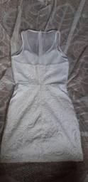 Vendendo dois vestidos, cada um 30 reais. Aproveite .