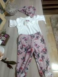 Lotinho de roupa da Gigi