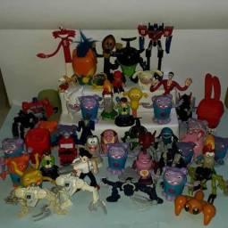 Lote 50 bonecos variados