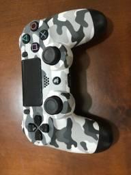 PlayStation 4 Slim - 500GB - usado