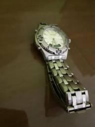 6cb0d369f37 Relógio Orient Clássico com leitor digital