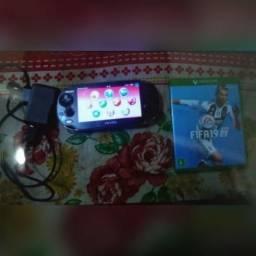 Vendo ou troco PS Vita + Fifa 19