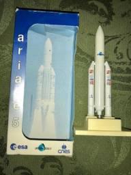 Miniatura Foguete Ariane 5