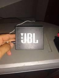JBL Go , em perfeito estado ... Muito boa para o dia dia