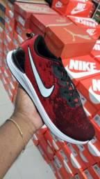 Tenis da Nike e Mizuno