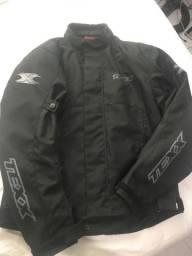 Jaqueta e luva para motociclistas
