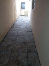 Casa dois cômodos 300 reais