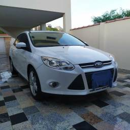 Ford Focus sedan se plus 2015 2.0 powershift