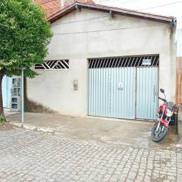 Casa no bairro do Mercado, 03 quartos
