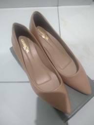 Sapato alto de couro