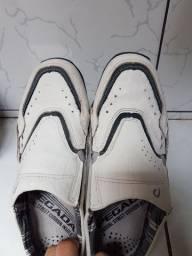 Sapato de couro pegada/jurunas