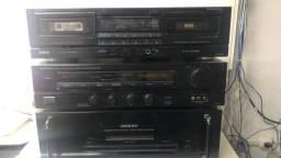 Equipamentos de som ONKYO.