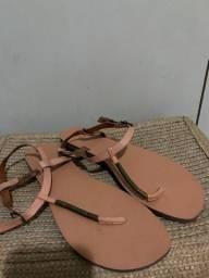 Sandália rasteira via mia