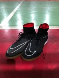 Chuteira Nike hypervenom 41