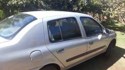 Clio Sedan 2003