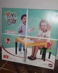 Mesa infantil Nova na caixa