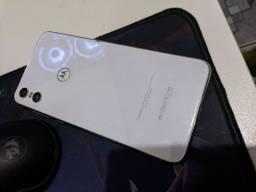 Moto One 64gb (Tela trincada)