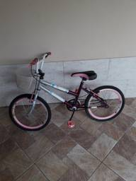 Bicicleta linda da Barbie