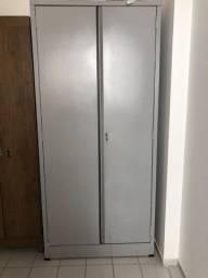 Armário de Aço Cinza Com 2 Portas Seminovo