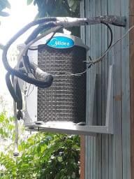 Ar condicionado midea12 mil BTUs 6 meses de uso por motivo de viagem faço entrega