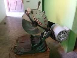 Maquina de cortar alumínio