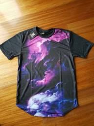 Camiseta Long Line Tempestade Psicodélica