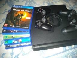 PS4 Slim 1 terá de memória, 7 jogos